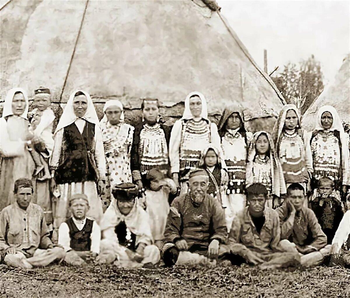 Архивные старые фотографии татарского народа